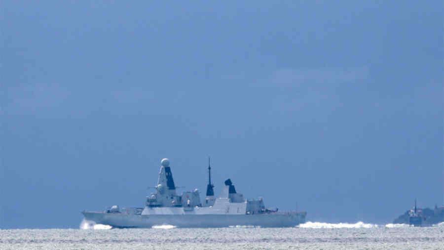 შავი ზღვა ვერასოდეს გახდება ბრიტანული ზღვა - რუსებმა ბრიტანული სამხედრო გემი ნახევარ საათში დააშოშმინეს