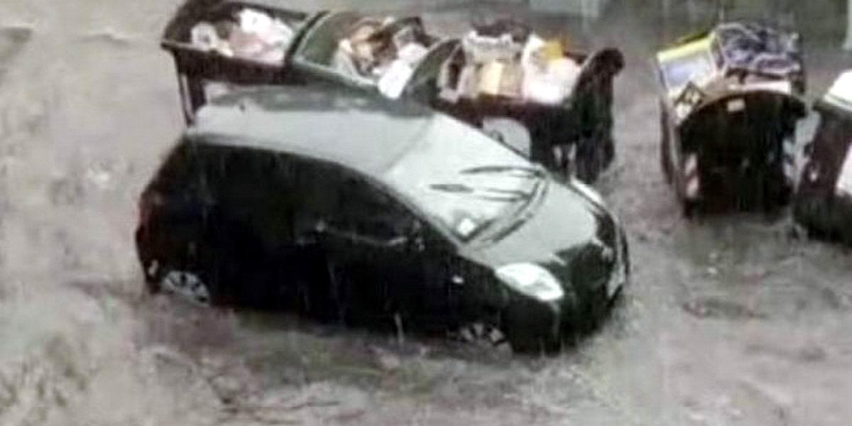ძლიერი წვიმის გამო რომის ქუჩები დაიტბორა