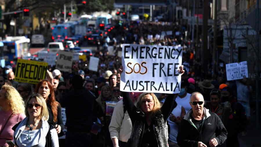 """ავსტრალიის ქალაქები """"ლოქდაუნის"""" ტყვეობაში - ხალხს აღარ შეუძლია და ქუჩაში გამოდის, პოლიცია - აპატიმრებს..."""